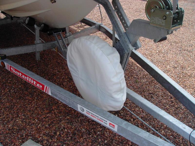 Fixation roue de secours for Housse pour roue de secours