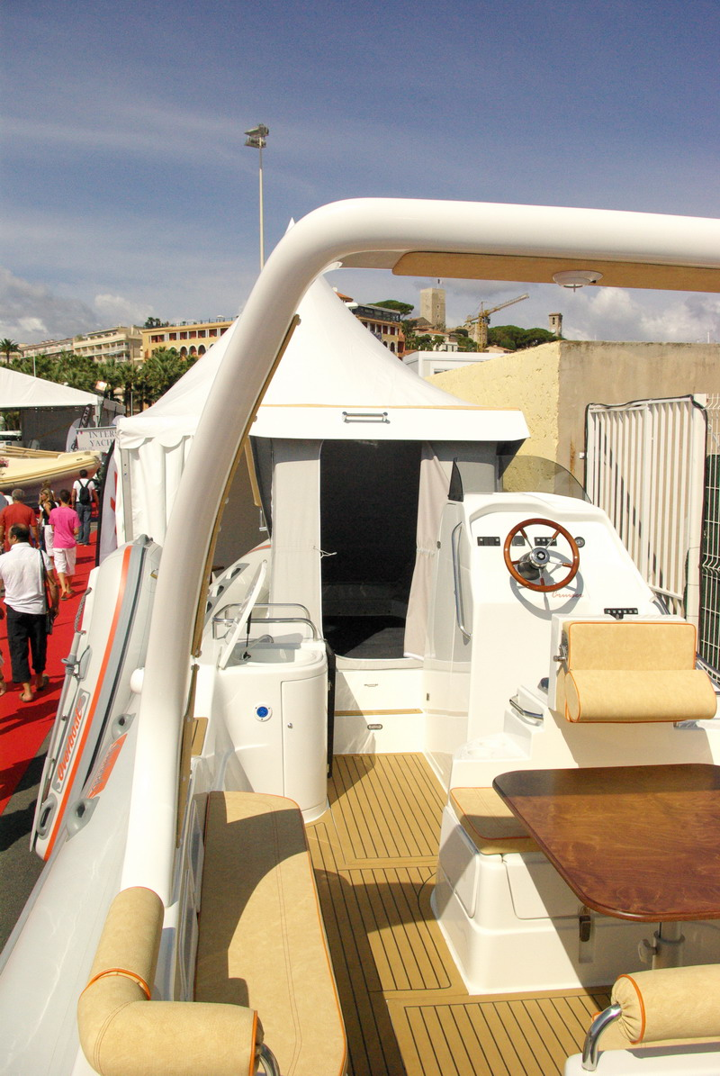 Stand overboat for Salon nautique cannes