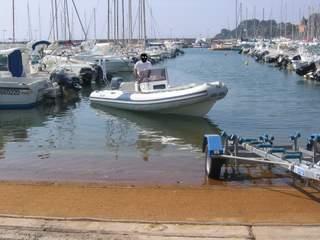 Marinai di terraferma leggi argomento porto a secco hyeres parcosoleil ponte per le - Capitainerie de port camargue ...